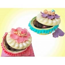 """Шоколадова кутия """"Цвете"""" с бебенце и бонбони"""
