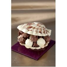 Шоколадова мида с бонбони
