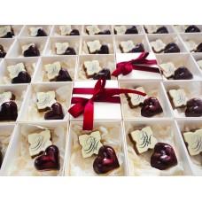 Кутийка с 2 бр. бонбони с инициали