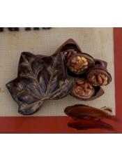 Шоколадова кутия листо с бонбони