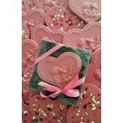 Шоколадово розово сърце в кутия