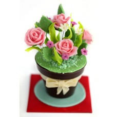 Шоколадова саксия с цветя