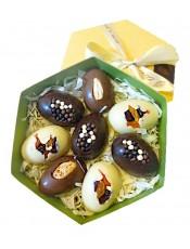 Кутия с 8 бр. шоколадови яйца
