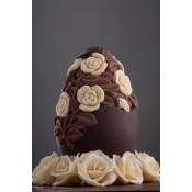 Шоколадово Великденско яйце, гравирано с рози