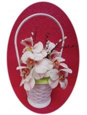 Кошница със захарни орхидеи